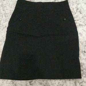 Reitman's petite black pull on elastic waist skirt